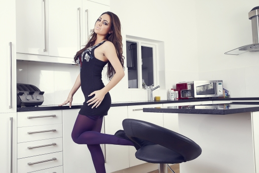 Jamie jenkins  jamie s kitchen. Just to prove that food isn't the only thing that needs to be presented perfectly in the kitchen; Jamie looks doubly gorgeous in a little black dress; matching high-heels and purple holdups. It turns out that what Jamie is wearing are just appetisers and she is the main course. What a way to tease the taste buds!